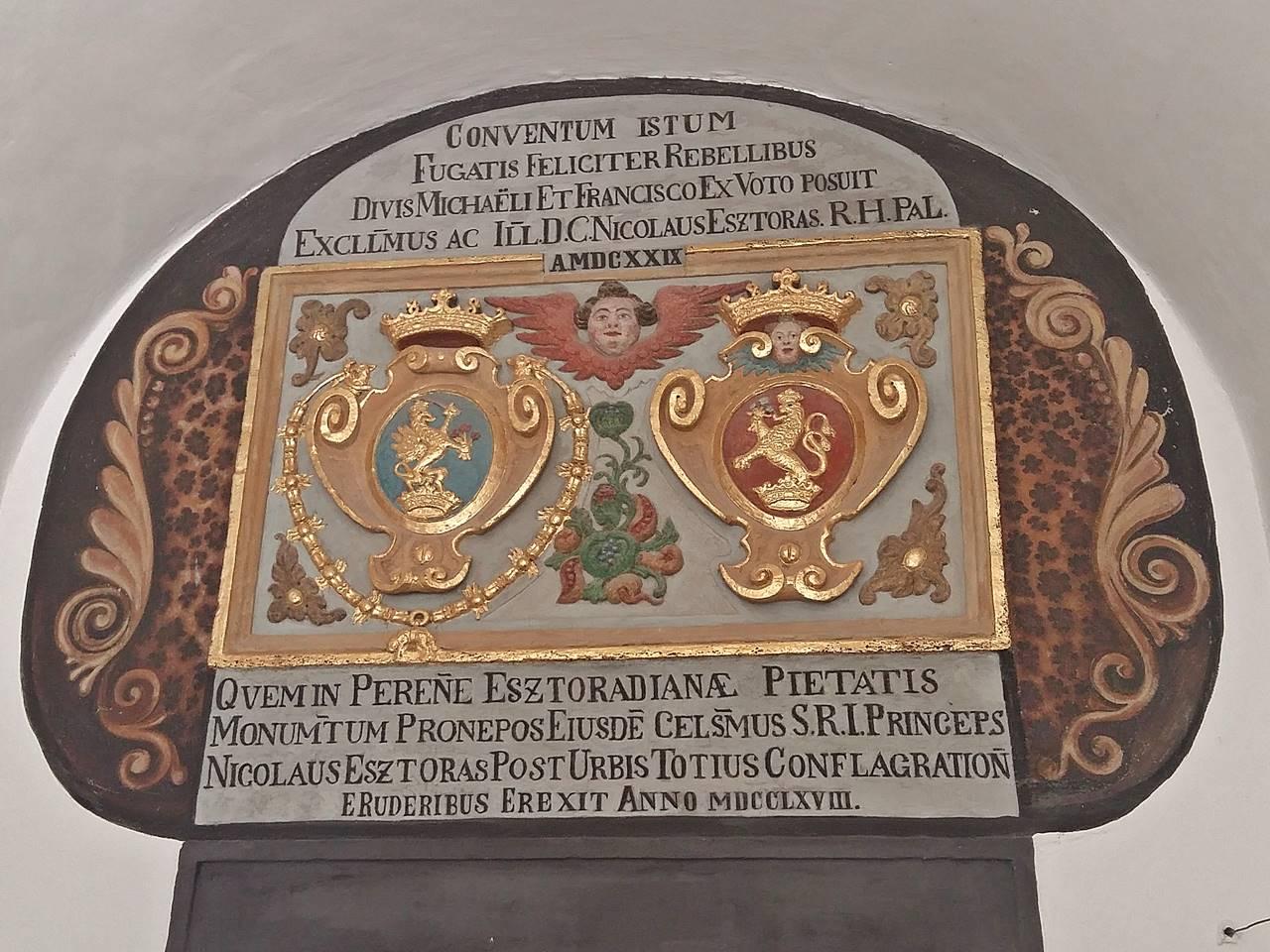 Franziskaner Kloster Wappentafel